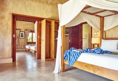 THREE MONKEY VILLAS KING BEDROOM THREE MONKEY VILLAS ULUWATU SURF ACCOMMODATION