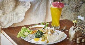 THREE MONKEY VILLAS ULUWATU SURF ACCOMMODATION LUNCH 5407