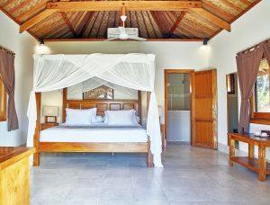 THREE MONKEY VILLAS accommodation Uluwatu KING