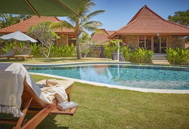 THREE MONKEY VILLAs uluwatu by the pool THREE MONKEY VILLAS ULUWATU SURF ACCOMMODATION
